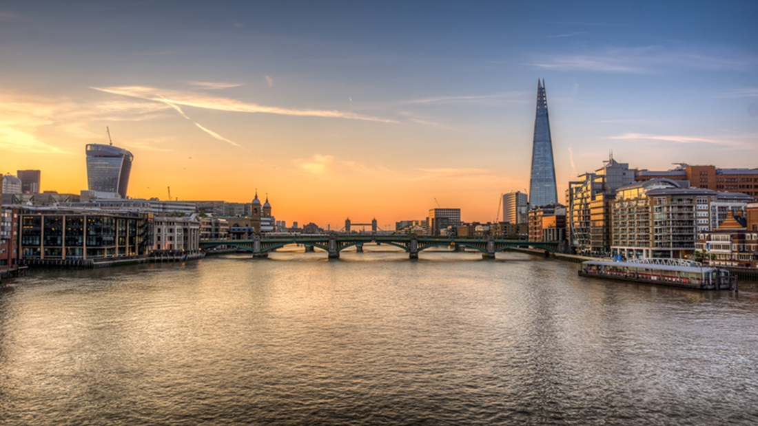 photodune-8525890-london-skyline-fer
