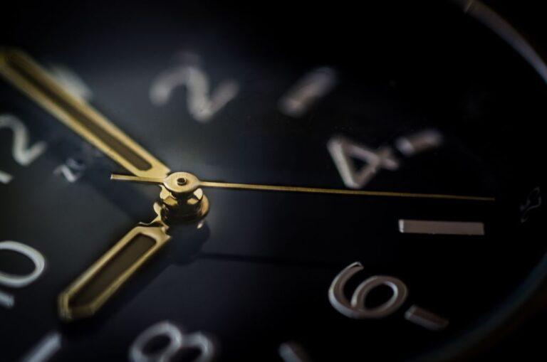 Tiempo, el maxi recurso de la moda